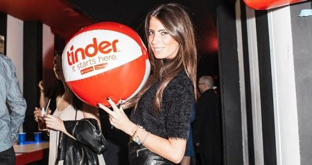 Why Tinder is One of the Top Downloaded Apps in the UK